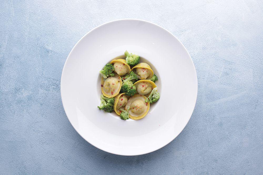 Тортеллони с капустой брокколи