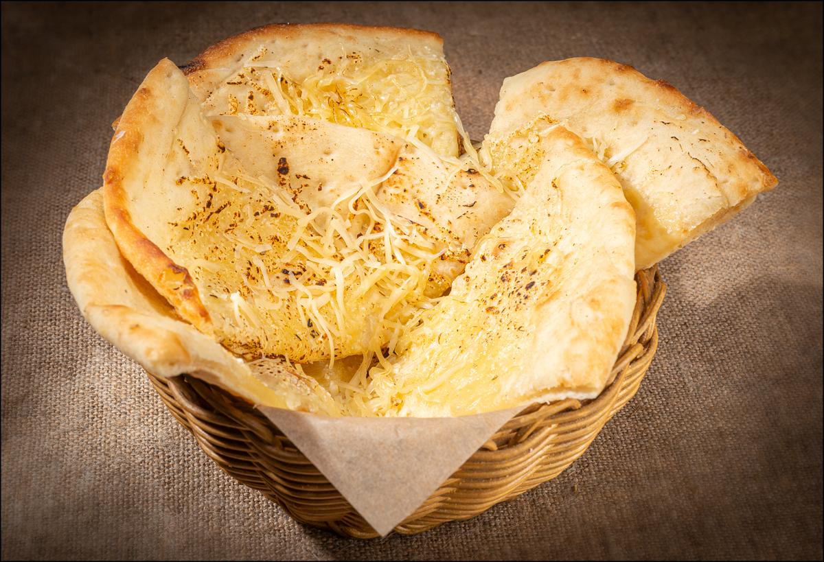 Фокачча с сыром Пармезан